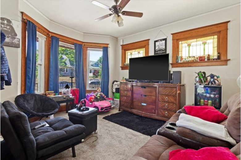 952 S 56th St, West Allis, WI by Homewire Realty $209,900
