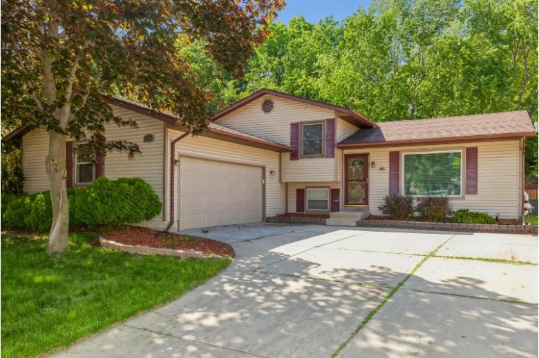410 S Grandview BLVD Waukesha, WI 53188 by Coldwell Banker Realty $322,000