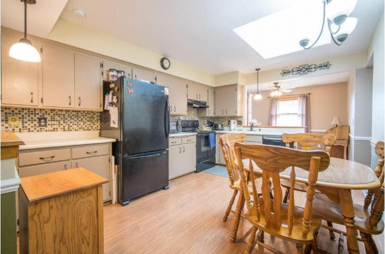 14875 W Glenora Ave New Berlin, WI 53151 by Exsell Real Estate Experts Llc $324,900