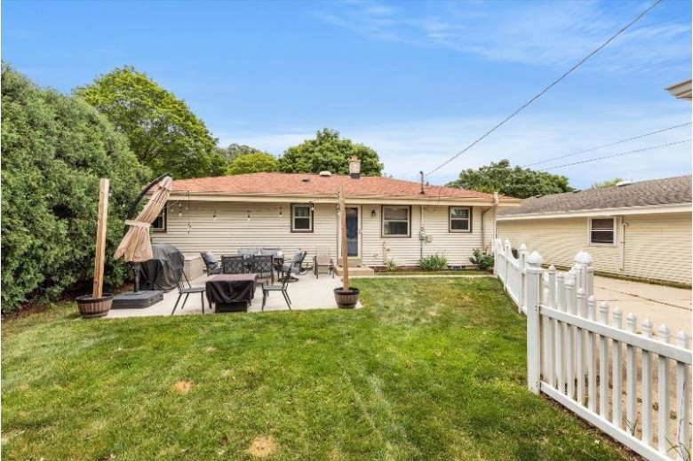 3711 S 93rd St Milwaukee, WI 53228-1615 by Lake Breeze Realty $235,000