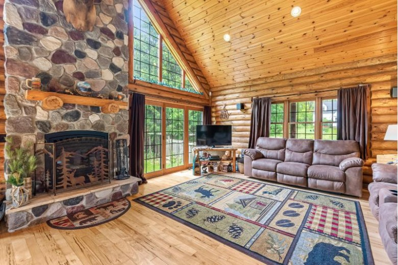 2944 S 130th St New Berlin, WI 53151-4038 by First Weber Real Estate $489,000