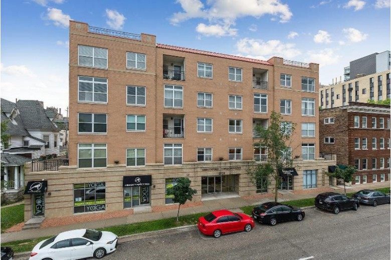1920 N Farwell Ave 211, Milwaukee, WI by Landro Milwaukee Realty $249,900