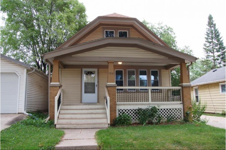 1710 S 85th St West Allis, WI 53214-4455 by First Weber Real Estate $179,900