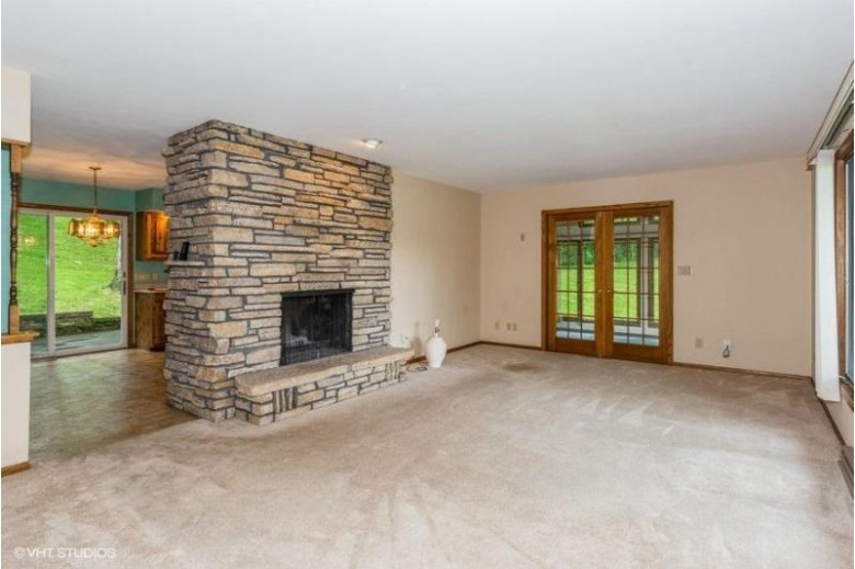 N7389 Hillendale Pkwy Beaver Dam, WI 53916-9447 by Coldwell Banker Realty $259,900