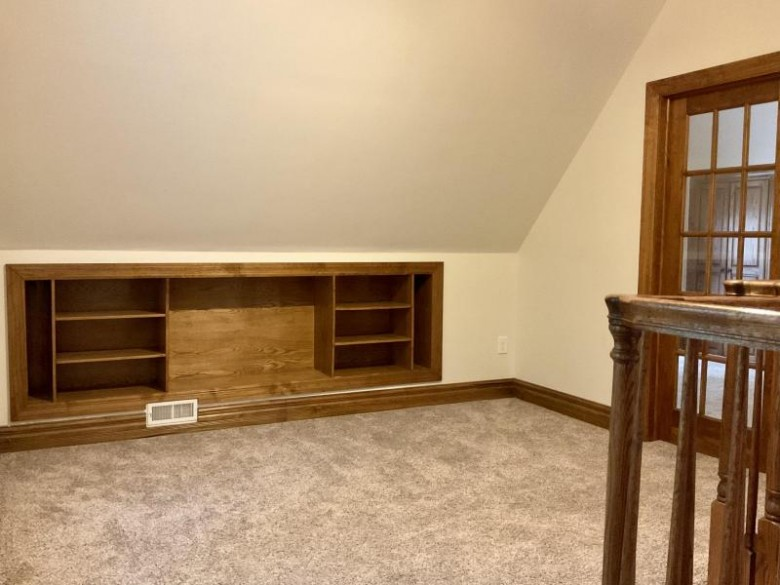 205 W Lloyd St 205, Milwaukee, WI by Terapak Realty & Management, Inc. $229,995