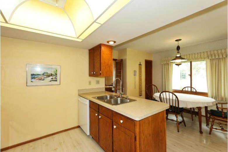 14140 W Honey Ln New Berlin, WI 53151-2442 by Re/Max Realty 100 $349,900