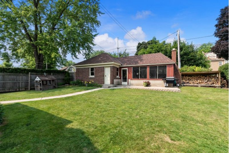 452 S 7th Ave, West Bend, WI by Star Properties, Inc. $320,000