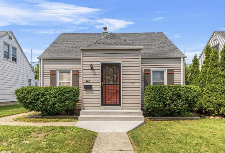 3213 S Burrell St, Milwaukee, WI by Realty Executives Integrity~brookfield $219,900