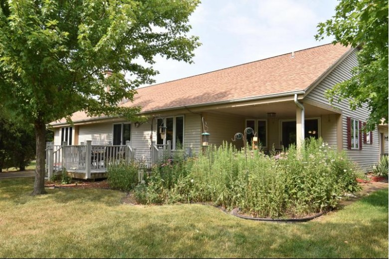 8575 W Blackbird Ct, Franklin, WI by Homeowners Concept $444,900
