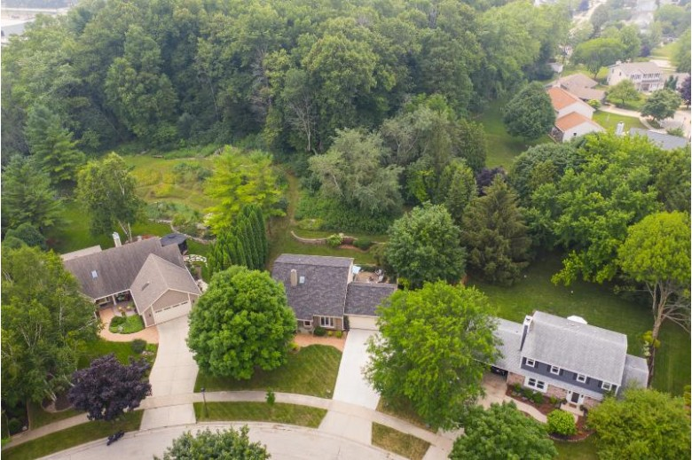 739 Overland Trl, Grafton, WI by Re/Max Insight $359,000