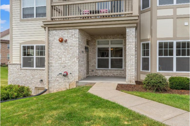 4794 S Lynn Dr New Berlin, WI 53151-7490 by Badger Realty Team-Cottage Grove $325,000