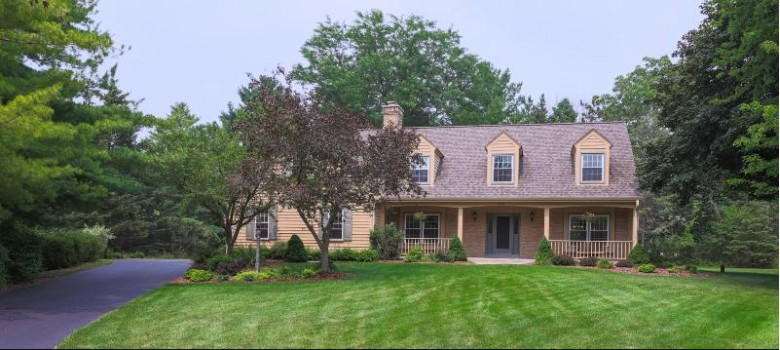 321 Juniper Ct Delafield, WI 53018-1100 by Redefined Realty Advisors Llc $599,900