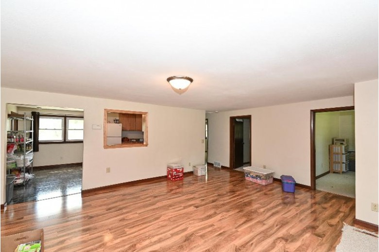 W284N7929 Miller Rd Hartland, WI 53029-9690 by Berkshire Hathaway Hs Lake Country $379,000