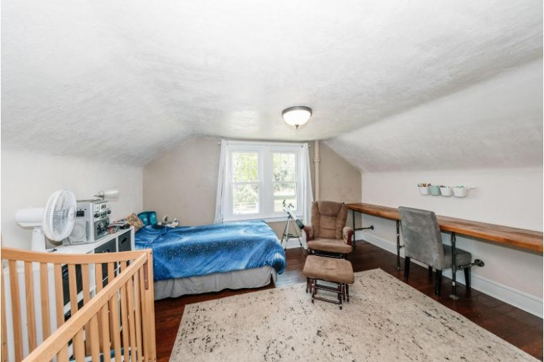 1317 Pleasantview Ave Waukesha, WI 53188-2137 by Realty Executives Southeast $215,000