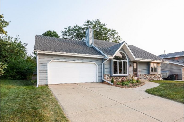 1729 Williams Ave. South Milwaukee, WI 53172 by Coldwell Banker Homesale Realty - Franklin $279,900