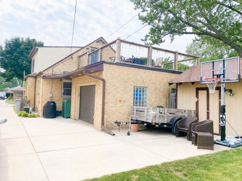 3534 N 96th St, Milwaukee, WI by Realty Executives Integrity~cedarburg $269,900