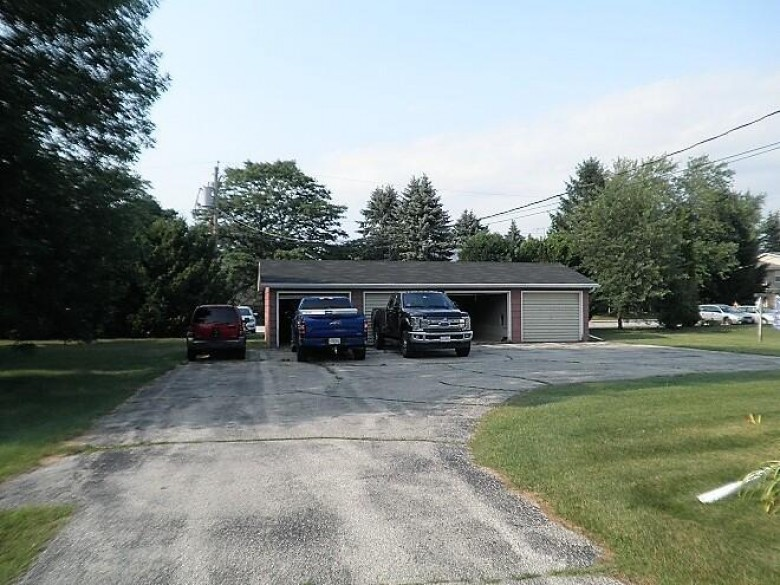 2922 39th St, Two Rivers, WI by Keller Williams-Manitowoc $224,900