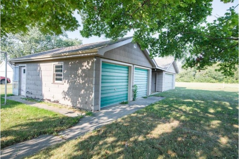 8647 Cooper Rd Kenosha, WI 53158-5506 by Better Homes And Gardens Real Estate Power Realty $294,900