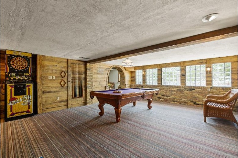 8231 S Cascade Ct, Franklin, WI by Re/Max Realty 100 $449,500