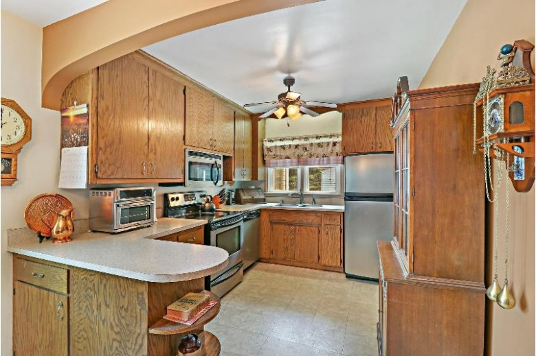 2815 Dwight St, Racine, WI by First Weber Real Estate $159,900