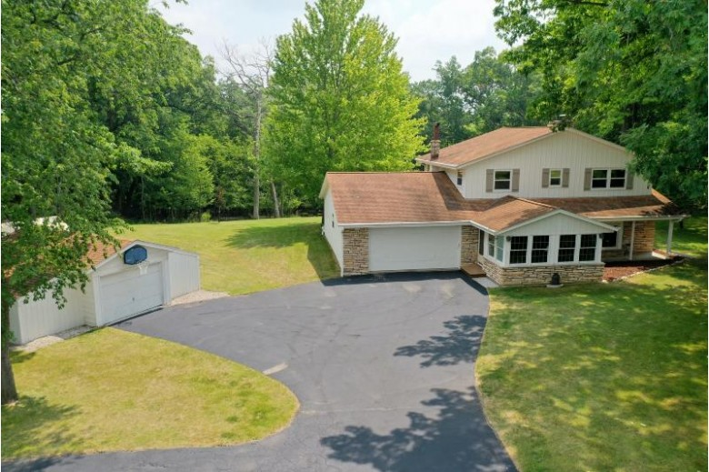 N24W26700 Accent Ct Pewaukee, WI 53072-4533 by Realty Executives - Integrity $579,900