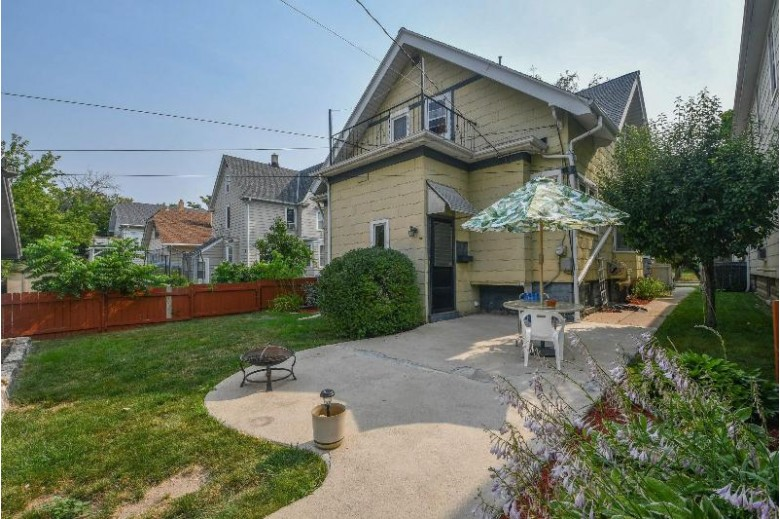 1535 S 77th St West Allis, WI 53214-4634 by Realty Executives Integrity~brookfield $199,900
