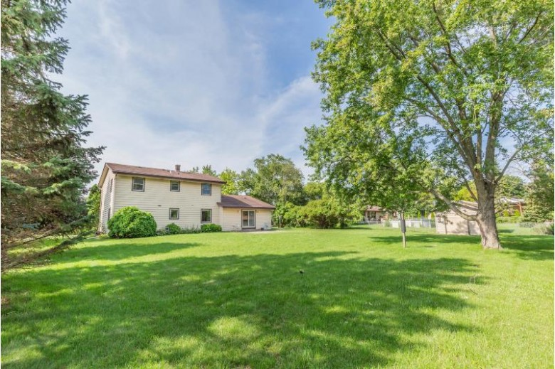 12200 W Squire Ave Greenfield, WI 53228-3035 by List2sell, Llc $279,900