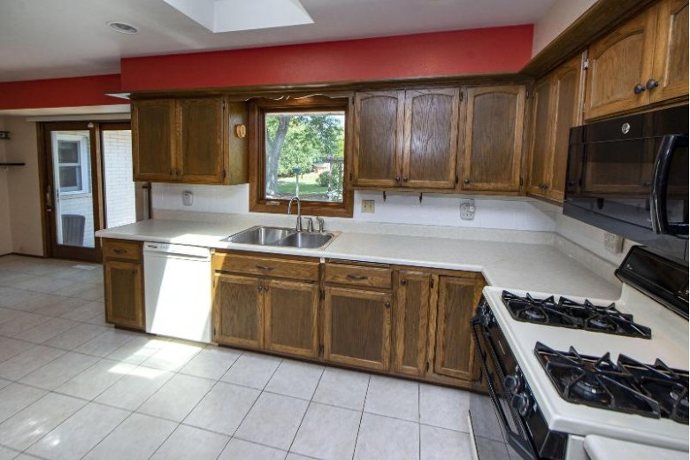 10610 W Robinwood Ln, Franklin, WI by First Weber Real Estate $324,900