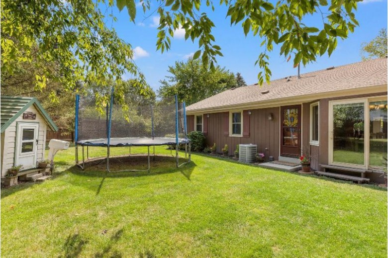 7516 S Drake Ln Franklin, WI 53132-2155 by Victory Realty Elite $349,900