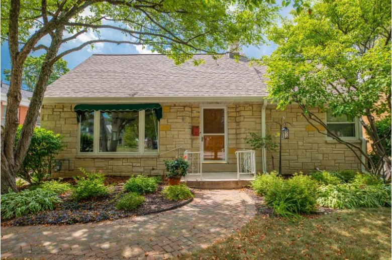 409 N 89th St, Wauwatosa, WI by Firefly Real Estate, Llc $289,900