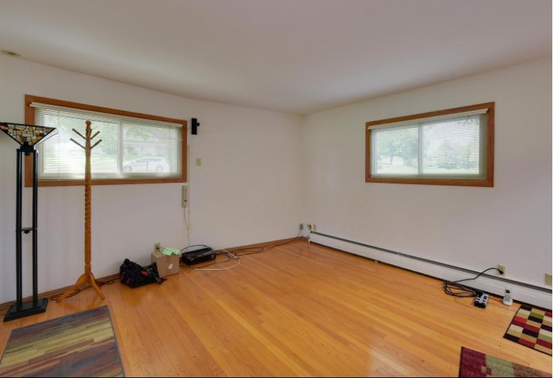 830 E Briar Ridge Dr Brookfield, WI 53045-6057 by First Weber Real Estate $425,000