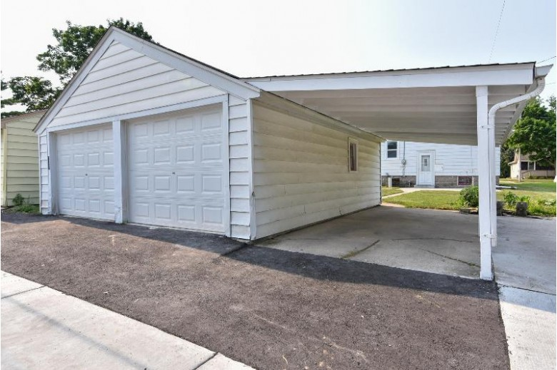 204 W Wabash Ave Waukesha, WI 53186-6140 by First Weber Real Estate $199,900