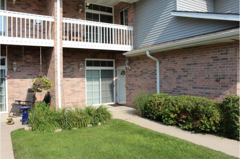 509 Westfield Way C Pewaukee, WI 53072-6511 by Realty Executives - Integrity $224,900