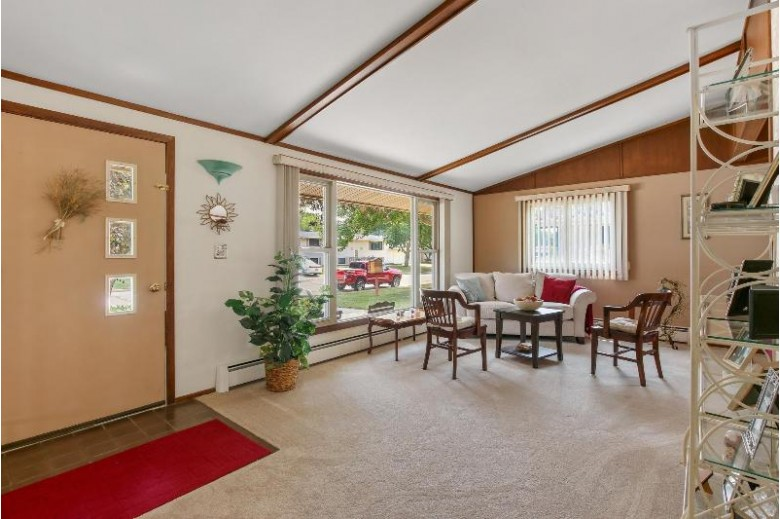 114 Illinois St, Racine, WI by First Weber Real Estate $219,900