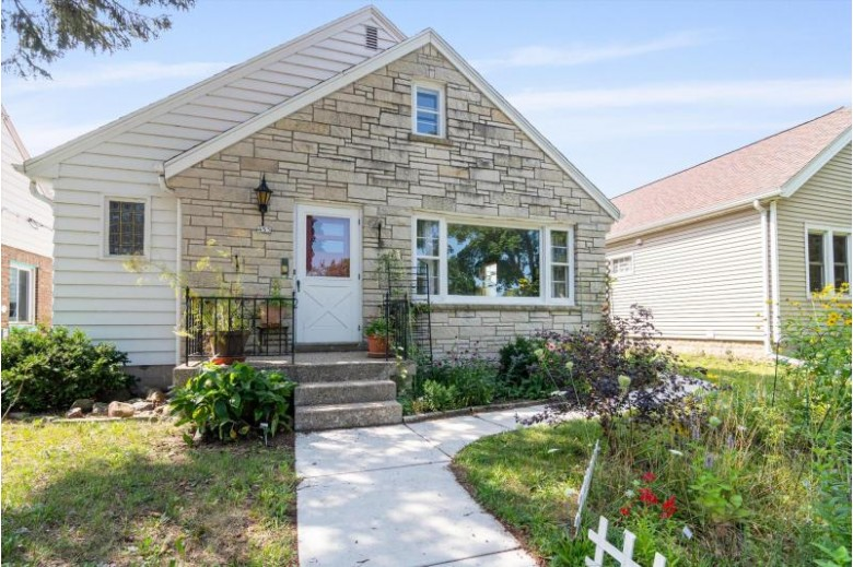 455 E Morgan Ave Milwaukee, WI 53207-3309 by First Weber Real Estate $225,000