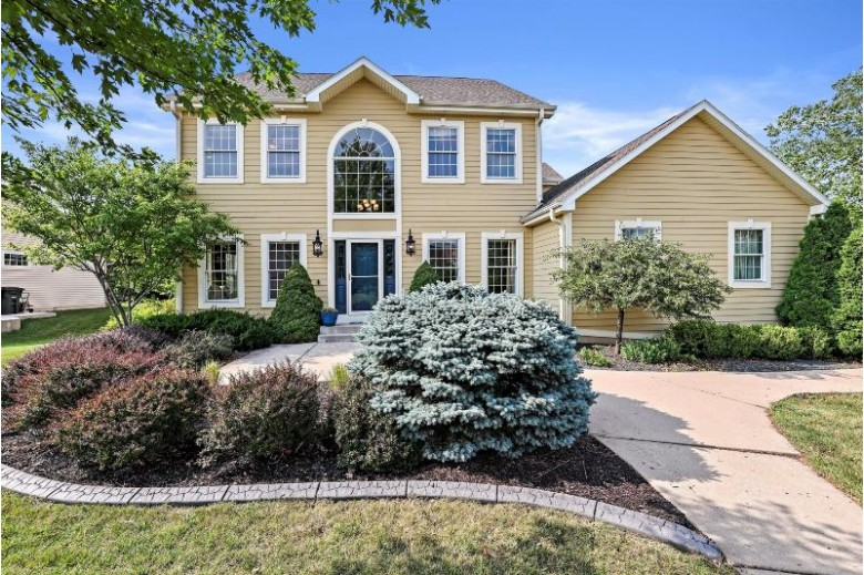 8159 S 77th St Franklin, WI 53132-8901 by Keller Williams Realty-Milwaukee Southwest $505,000