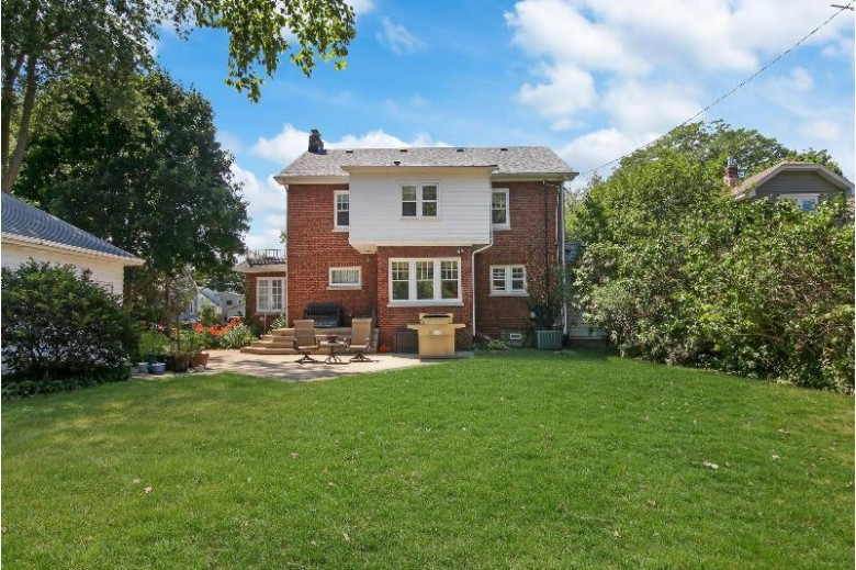 7413 10th Ave, Kenosha, WI by Coldwell Banker Real Estate One $289,000