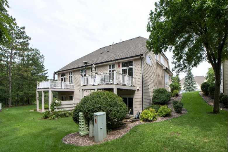 505 Heather Glen Ct Waukesha, WI 53188-3944 by First Weber Real Estate $425,000