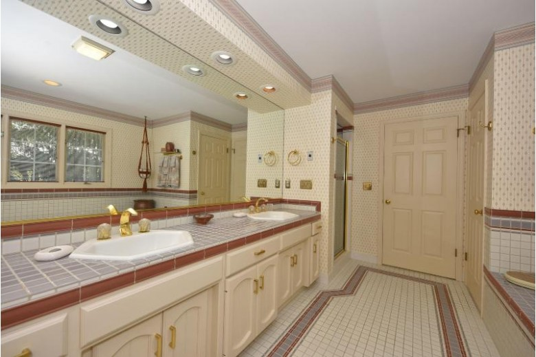 10011 N Miller Ct, Mequon, WI by Real Broker Llc $650,000