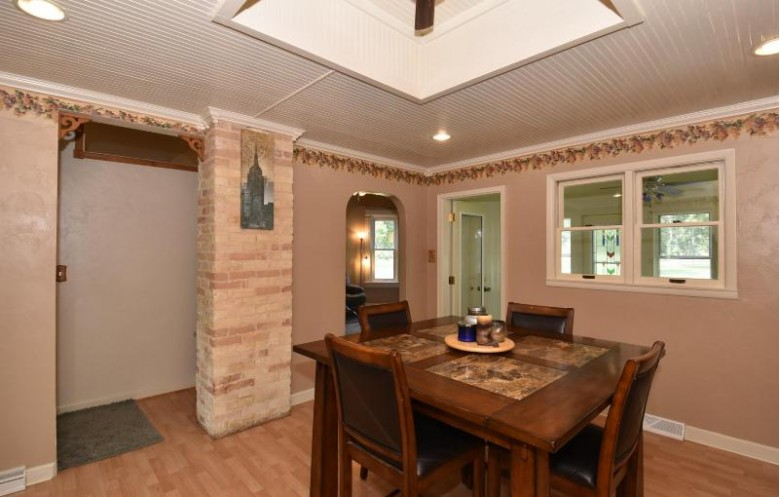 625 Grove St, Fort Atkinson, WI by Re/Max Realty 100 $184,900