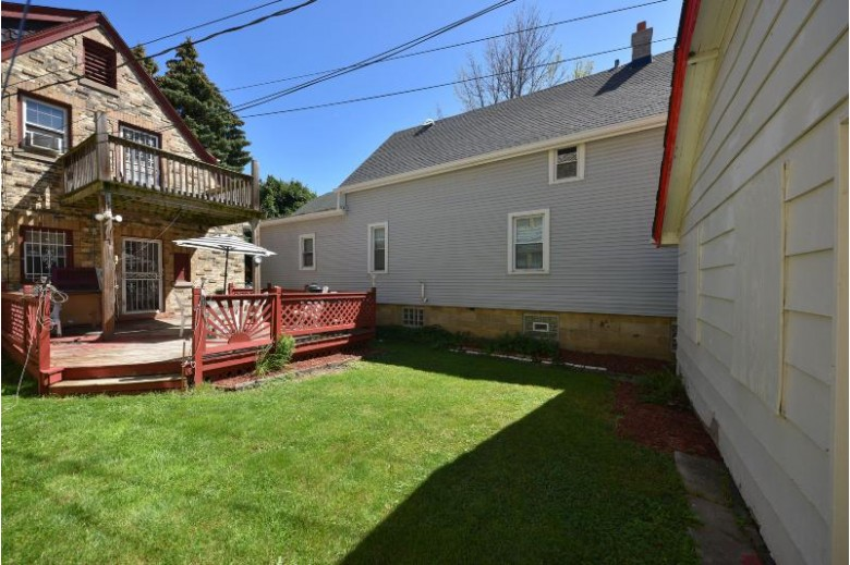 3367 N Pierce St Milwaukee, WI 53212-1655 by First Weber Real Estate $224,900
