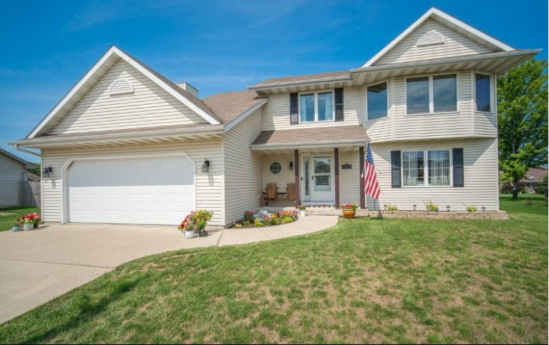 738 Hunter Dr Mount Pleasant, WI 53406 by Exsell Real Estate Experts Llc $379,900