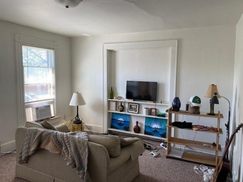 1401 Ferry St 1403 La Crosse, WI 54601-4850 by Reliant Real Estate Services, Llc $159,999