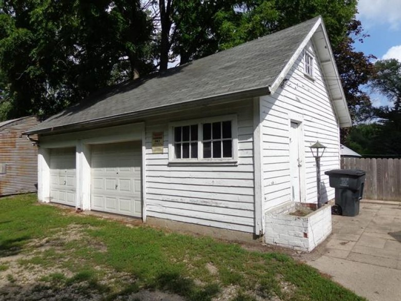 142 N George St, Whitewater, WI by Tincher Realty $209,000