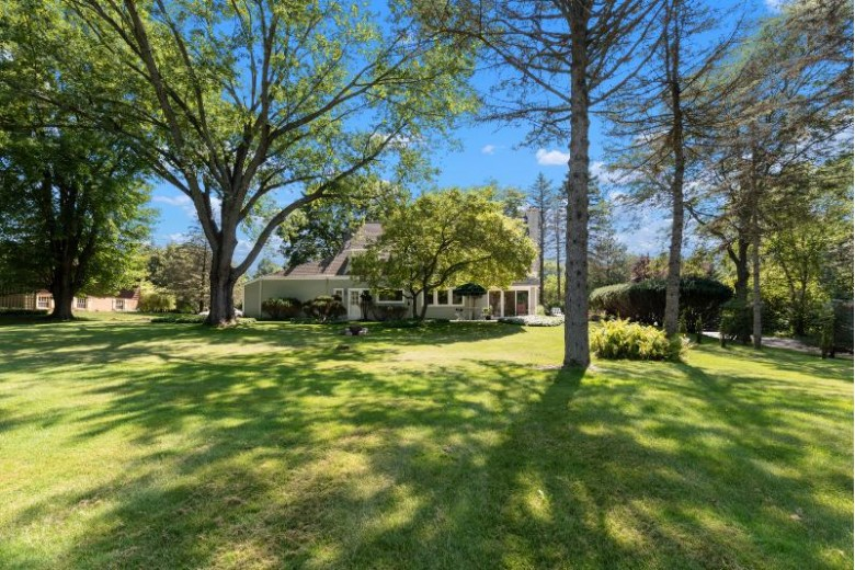 2412 W Chestnut Rd Mequon, WI 53092-3108 by First Weber Real Estate $475,000