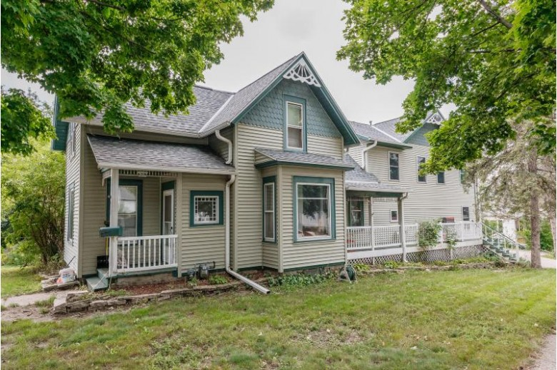 438 S Hine Ave Waukesha, WI 53188-4951 by Re/Max United - West Bend $239,900