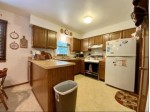 871 Crescent Ln Hartland, WI 53029-5302 by Lake Country Flat Fee $341,750