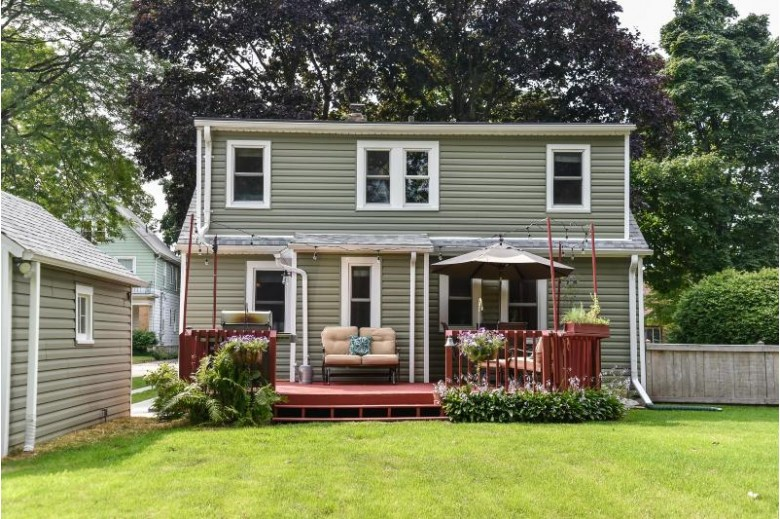 1716 11th Ave Grafton, WI 53024-2406 by First Weber Real Estate $289,900