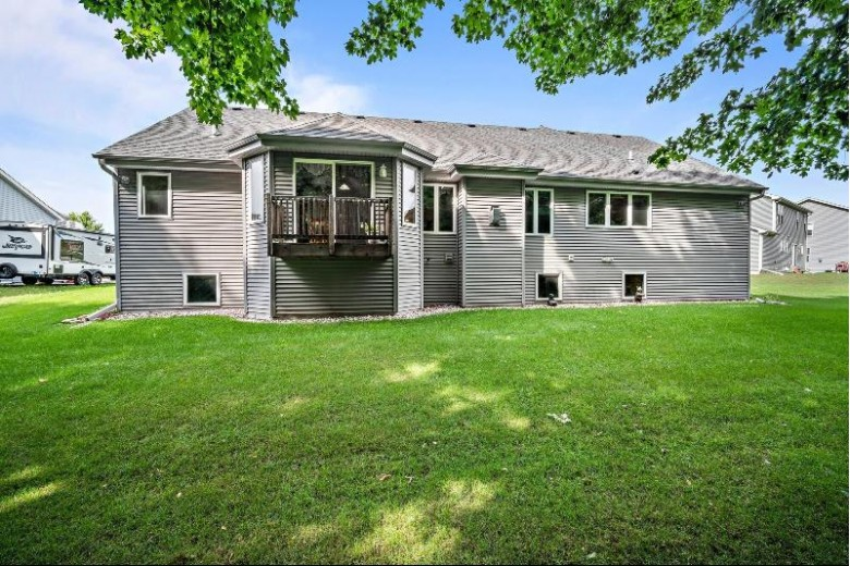 525 Yosemite Ave Hartford, WI 53027-8669 by Coldwell Banker Realty $354,900
