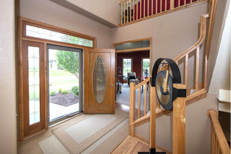 11201 W Sanctuary Dr, Milwaukee, WI by First Weber Real Estate $434,900